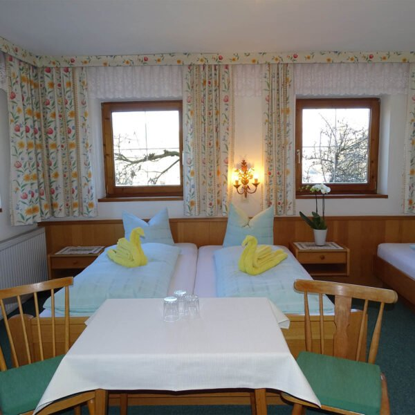 rooms rainhof